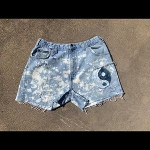 "VTG 34"" custom Yin Yang denim shorts"